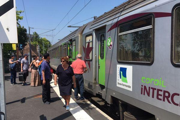 TER Normandie en gare