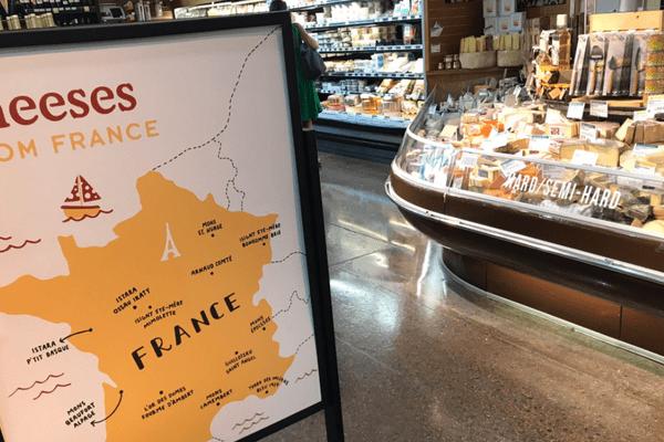 """Cette carte, baptisée """"Cheeses from France"""" prétend expliquer de quelles régions sont originaires certains fromages."""