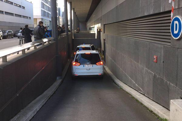 Arrivée du suspect de l'enlèvement de Maëlys au palais de justice de Grenoble.