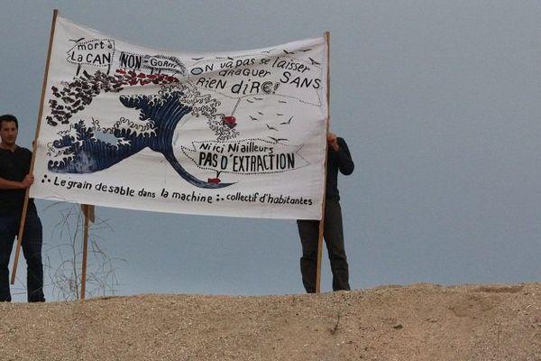Nouvelle manifestation lundi 12 septembre des opposants à l'extraction de sable coquillier en baie de Lannion par la CAN.
