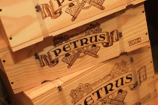 Des caisses de Petrus présentées à Mulhouse en août 2015. Photo d'illustration.