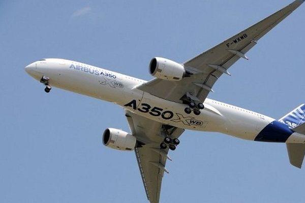 L'A350 lors de son premier vol à Toulouse, le 14 juin 2013.