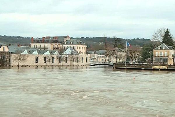 La Vézère en crue le 5 janvier 2018 à Terrasson.