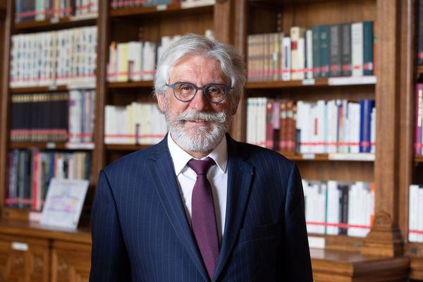 Jean-Luc Fichet, sénateur PS du Finistère milite depuis toujours pour une offre de soins équitable sur tout le territoire