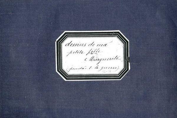 Ce carnet de dessins a été remis par les descendants de Marguerite aux Archives Municipales de Dijon.