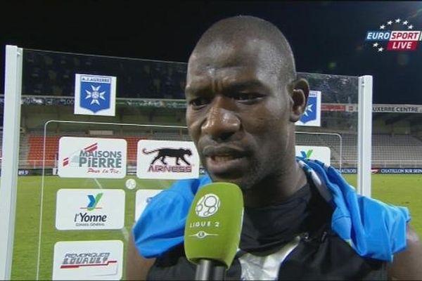 Adama Coulibaly a été tout proche d'inscrire le but qui aurait libéré l'AJA.