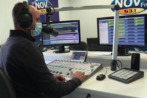 La radio locale Nov FM diffuse ses programmes au nord-ouest de la Vendée