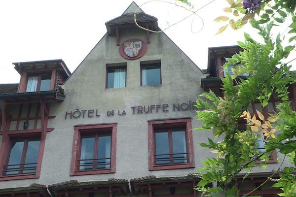 Hôtel de la Truffe Noire dans le centre de Brive-la-Gaillarde.