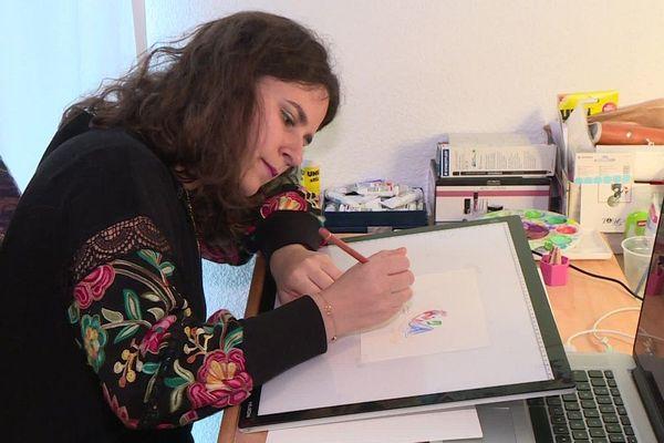 Invitée à venir en France pour réaliser cet album, Noémie vit à Toulouse.