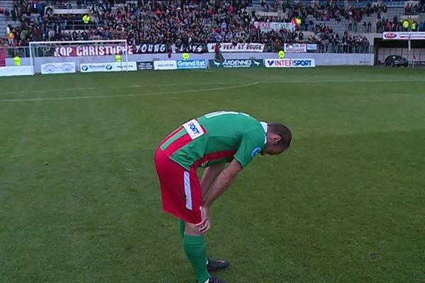 Benoit Leroy et les Sedanais sont restés prostrés de longues minutes sur le terrain après cette défaite qui les condamne à la relégation.