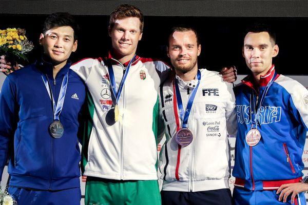 De gauche à droite : Gu de Corée (2ème), Andras Szatmari de Hongrie (1er), Vincent Anstett et Kamil Ibragimov de Russie (tous les deux 3ème) à Leipzig, vendredi 21 juin 2017.