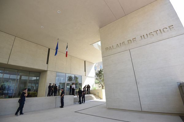 Béziers (Hérault) - L'homme âgé de 31 ans a été condamné à 3 ans de prison pour violences aggravées et menaces de mort.