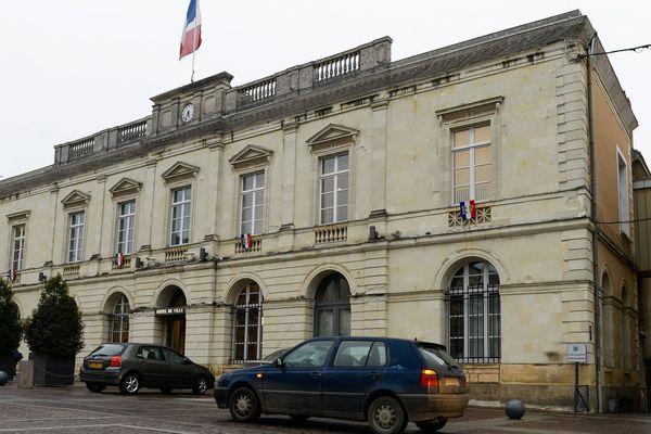 La mairie de Sablé-sur-Sarthe et la communauté de communes à l'écoute des personnes confinées.