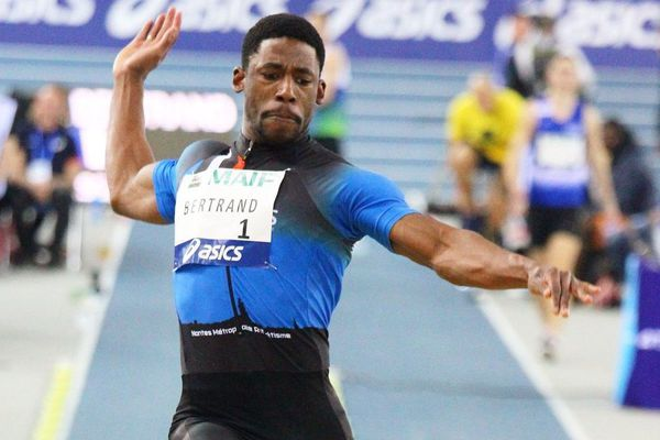 Jean-Pierre Bertrand devient champion de France de saut en longueur avec 8,04m, le 16 février 2019