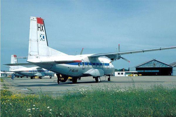 L'aéroport de Saint-Yan abrite une école de pilotage et accueille des vols d'affaires, de loisirs et de l'armée de l'air.