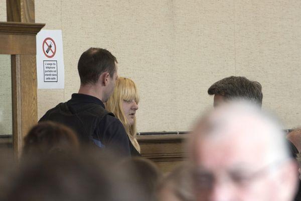 Alors que 30 ans de réclusion criminelle ont été requis à l'encontre de Cécile Bourgeon et de Berkane Makhlouf, samedi 10 février, c'est l'avocat de la mère de Fiona qui a débuté les plaidoiries de la défense, devant la cour d'assises de Haute-Loire.