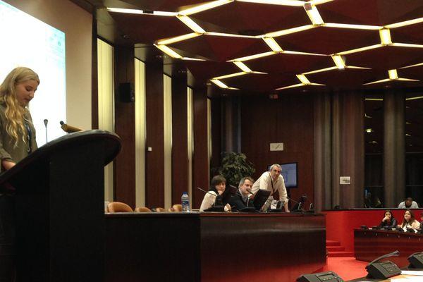 Les lycéens deviennent députés européens, le temps d'une journée, avec prise de parole et débats