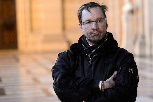 Le 29 janvier 2015 : Maxime Gaget assiste au procès de son ex-compagne au Palais de justice de Paris.