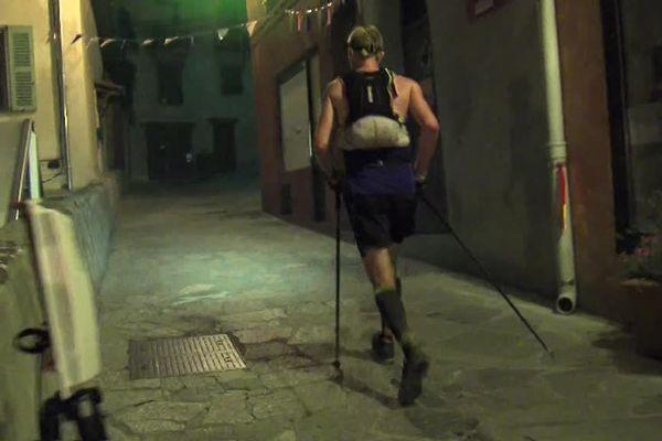 Certains participants passeront deux nuits à courrir.