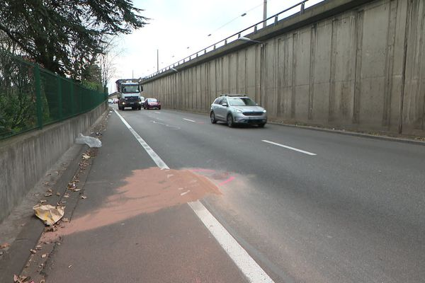 Le policier, Franck L.renversé par un fourgon lors d'une opération à Bron près de Lyon est mort annonce le parquet de Lyon