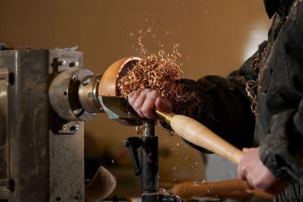 Les fabrications de Nathalie Chapuis sont faites exclusivement à partir de bois originaire de Côte-d'Or