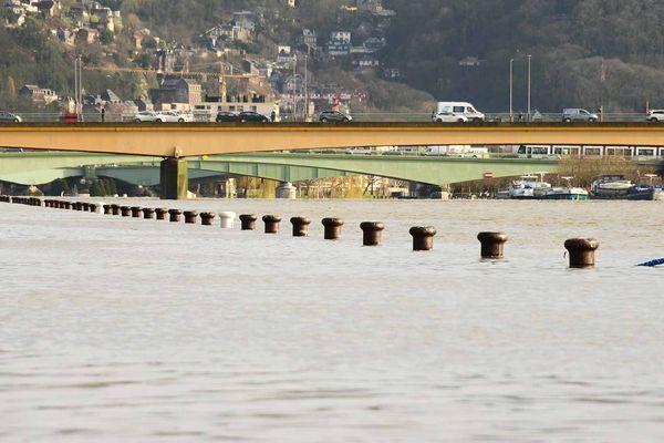Mardi 11 février 2020, la Seine déborde sur les quais de Rouen.