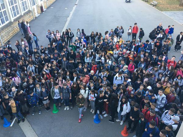 A 8h ce mercredi 04 septembre 2019, les 431 élèves du collège Vauban de Longwy (Meurthe-et-Moselle) étaient réunis dans la cour de l'établissement pour la répartition dans les maisons.