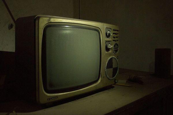 A l'époque, les téléviseurs étaient à tubes cathodiques