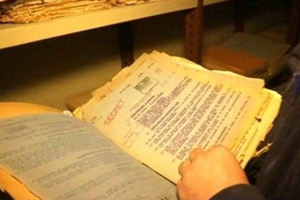 Dans les sous-sols du château de Vincennes, des milliers de documents top secret concernant la période 1930-1945 sont désormais consultables.