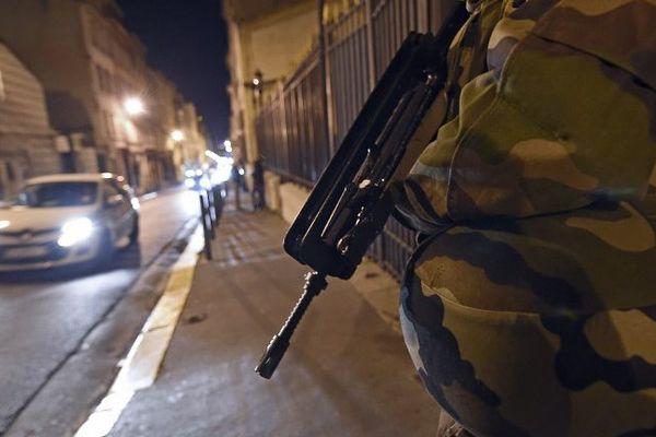 Des renforts militaires déployés dans Marseille après les attentats de Charlie Hebdo et de l'hyper casher de Paris.