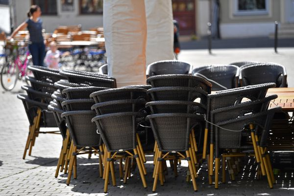 Les restaurants peinent sévèrement à recruter pour leur réouverture.