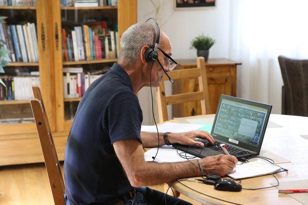A partir du 9 juin, la réglementation en matière de télé travail s'assouplit. Au sein de Sophia Antipolis, un observatoire a été crée pour analyser l'évolution de cette pratique.
