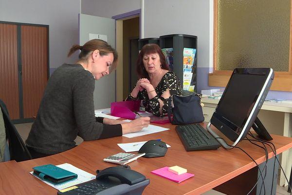 Sandrine Morel, responsable de la Maison de Services au Public (MSAP) de Thueyts en Ardèche