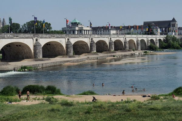 Le Pont Wilson relie le nord de Tours au centre-ville. (Photo d'illustration, 27 juin 2019)