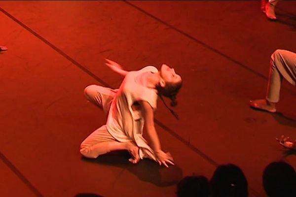 """Ce vendredi soir à Marseille, c'est la """"Première"""" de Kirina, une création de  Serge Aimé Coulibaly."""