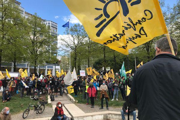 Une nouvelle manifestation d'agriculteurs ce lundi 12 avril 2021 à Lyon. La mobilisation débute place de l'Europe.