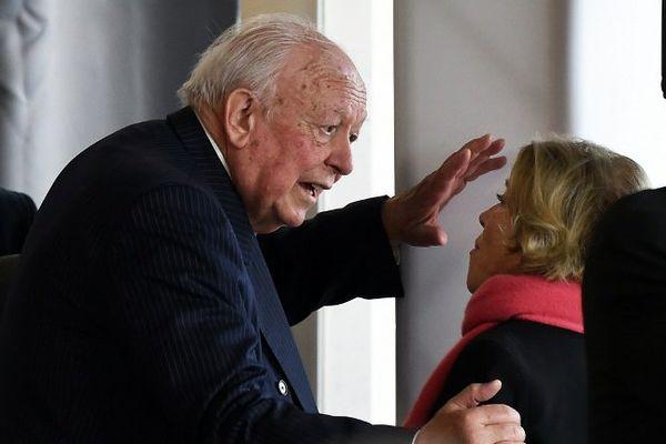 Jean-Claude Gaudin le 17 mars dernier lors de son élection à la tête de la métropole Aix-Marseille (avec Maryse Joissains la maire d'Aix-en-Provence).
