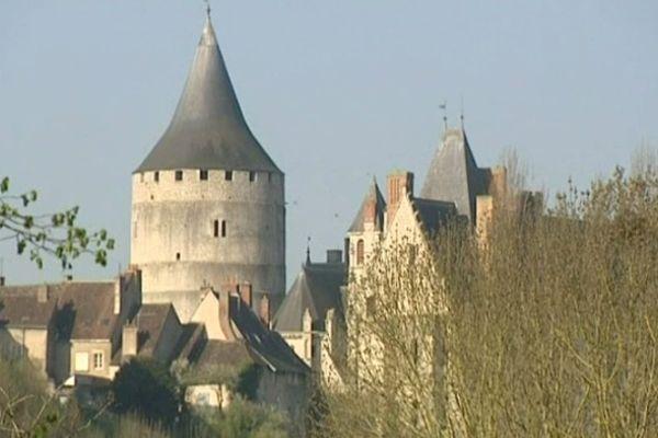 Vue sur le vieux donjon du château de Châteaudun (Eure-et-Loir)