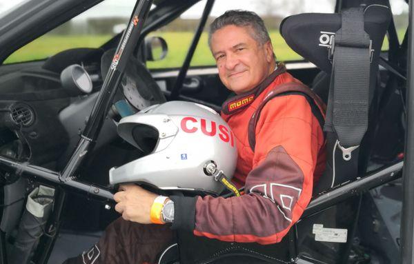Alain Cusimano au volant de sa Twingo R1.