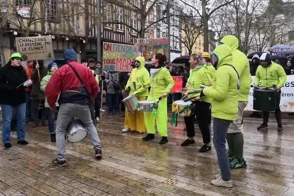 La marche pour le climat réunit entre 300 et 400 personnes dans les rues de Troyes