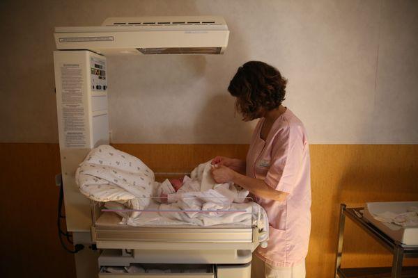 Pour les deux sages-femmes, l'obligation de se faire vacciner est une atteinte à leur liberté.