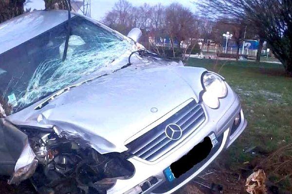 Accident de voiture spectaculaire à Gien