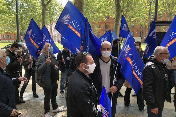 Les policiers se sont rassemblés à l'appel de plusieurs syndicats, notamment Alliance-Police.