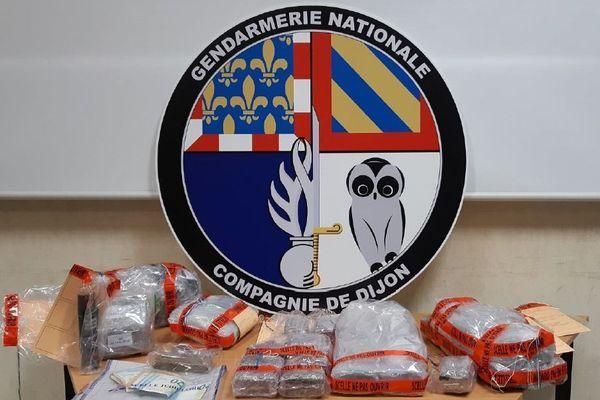 Les gendarmes de Quetigny et de Dijon ont interpellé deux hommes lors d'une transaction de résine de cannabis samedi 2 novembre 2019.