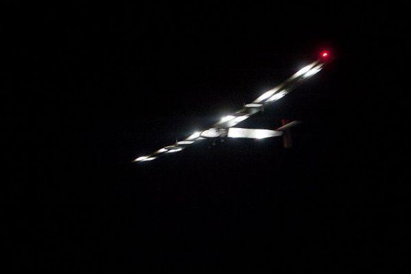 Solar Impulse 2 (SI2) a décollé avant l'aube lundi de Mandalay, deuxième ville de Birmanie