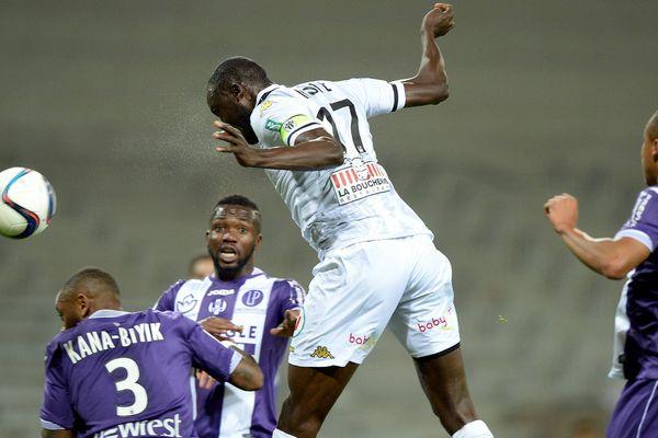 Ligue 1, 10ème journée, but du milieu de terrain et capitaine Cheick Ndoye, TFC - ANGERS SCO : 1-2