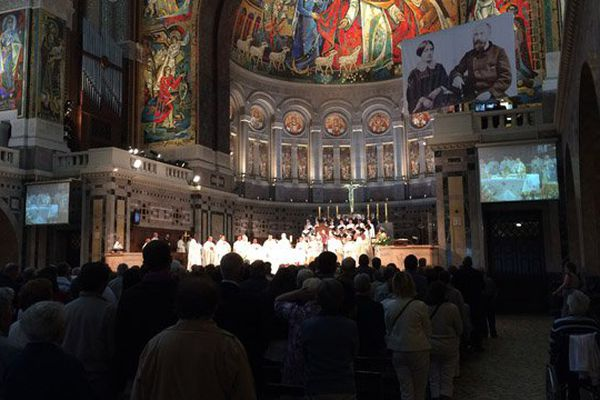 La basilique de Lisieux ce dimanche. La messe aux familles était célébrée en l'honneur de Louis et Zélie Martin