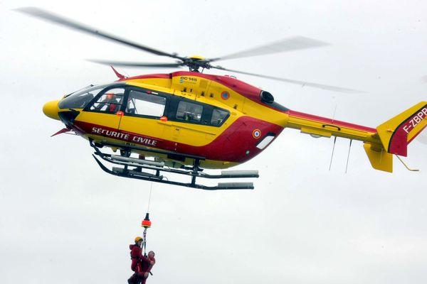 Hélicoptère de la sécurité civile, image d'illustration