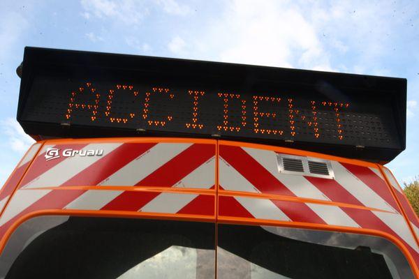 L'accident a eu lieu aux alentours de 14h45 sur l'A71 près de Montluçon, dans l'Allier.