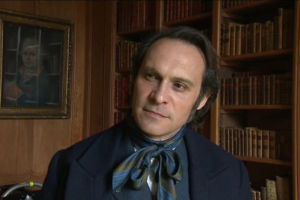 L'acteur de théâtre Yannick Choirat lors du tournage de Victor Hugo Ennemi d'Etat